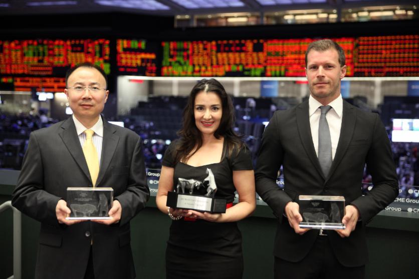 von links nach rechts: Song Li (2. Platz), Victoria Grimsley (1. Platz) und René Wolfram (3. Platz)